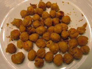 Cheezy roasted chickpeas